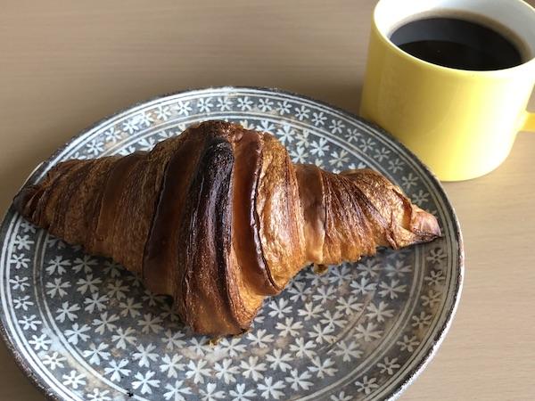 央製パン堂のクロワッサンでコーヒータイム